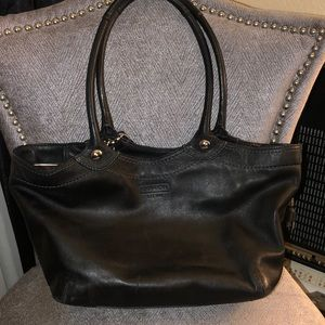 ✨ Black Coach satchel ✨